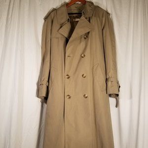Brooks Brothers Trench Coat with liner Size 44R
